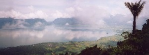 [Image: 800px-Lake_Maninjau3.jpg]