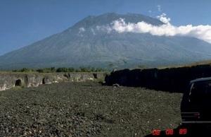 [Image: gunung+agung.jpg]